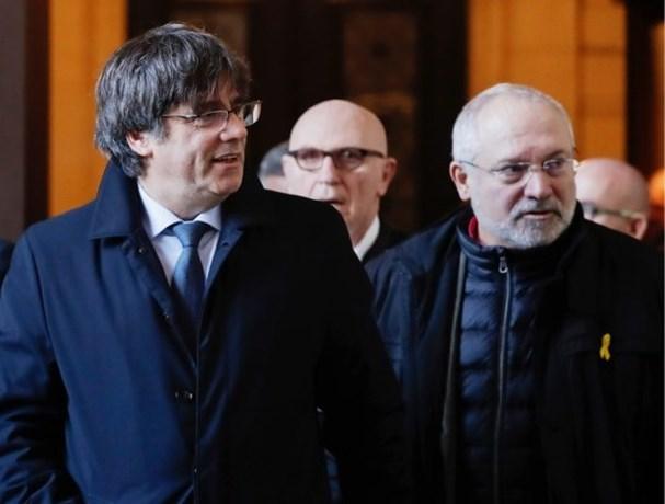 Ons land heeft Europese aanhoudingsbevelen tegen Lluis Puig en Toni Comin ontvangen
