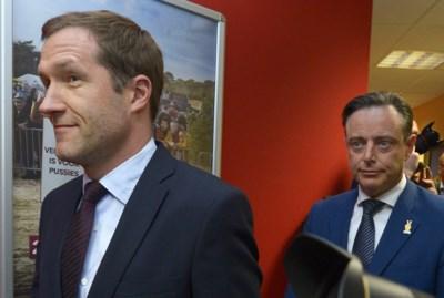 Magnette gaat vol voor paars-groen, zonder N-VA: het gevolg van een bewuste strategie van De Wever?