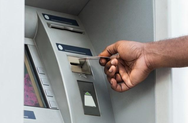 Bankautomaat spuwt gratis geld uit: gelukzakken kunnen 6 uur lang profiteren