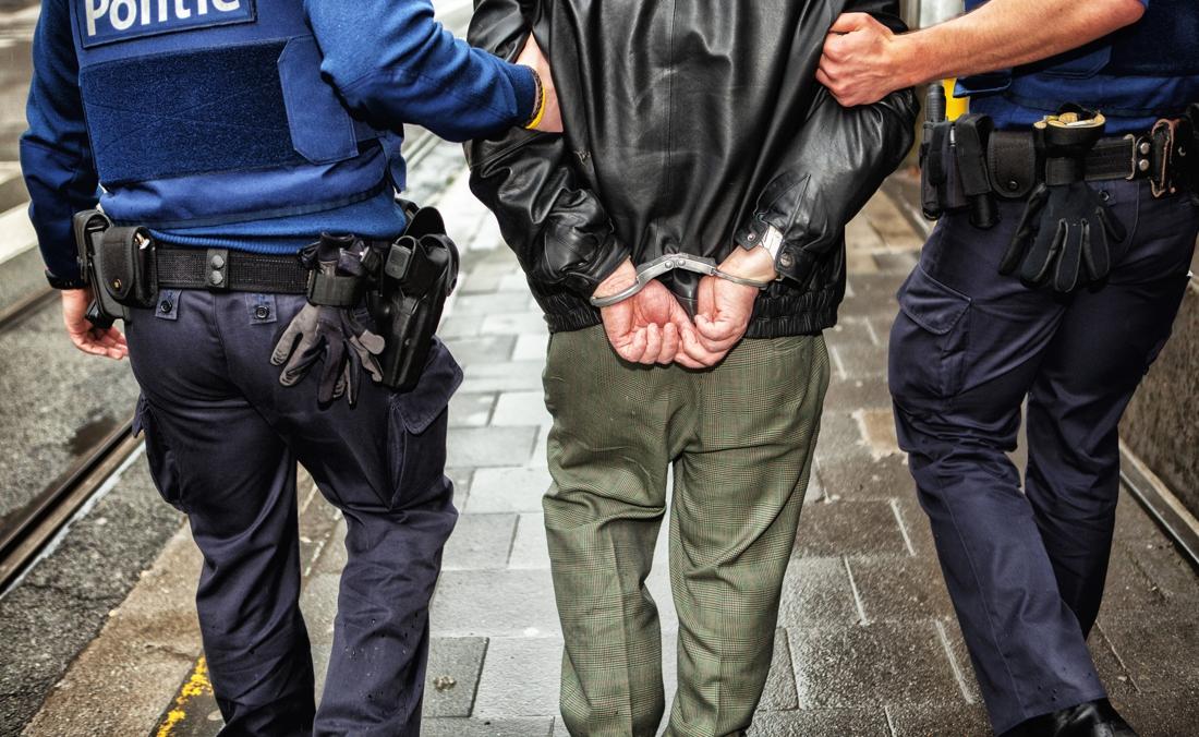 Man riskeert 4 jaar cel voor inbraken en diefstal met geweld