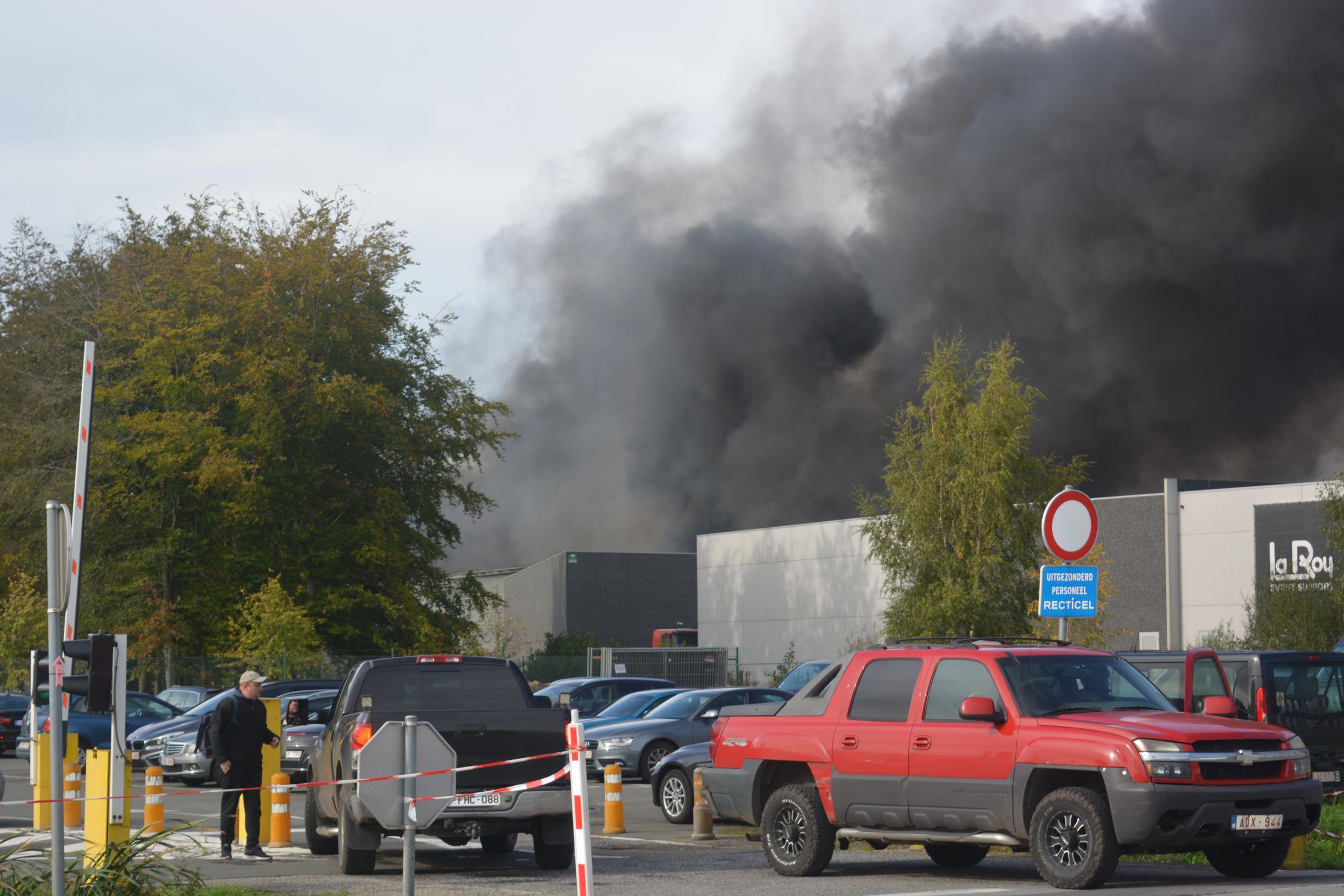Laarne niet tevreden met communicatie rond Recticel-brand in Wetteren
