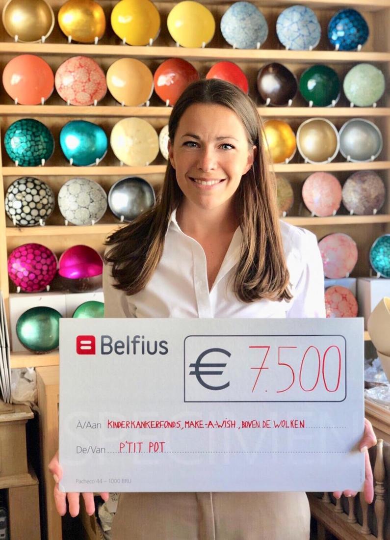 """Sophie (30) geeft tien procent van winst aan goede doelen: """"Telkens geld kunnen schenken aan die organisaties, dat gevoel is onbeschrijflijk"""" - Het Nieuwsblad"""