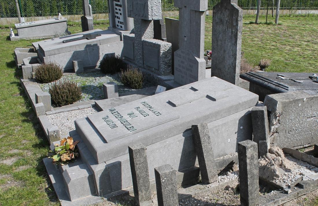 """Te weinig plaats op kerkhof, maar oplossing is voor sommigen """"drastisch en weinig menselijk"""" - Het Nieuwsblad"""