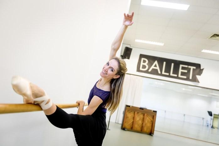 """Na 'Hanne danst' laat VRT-nieuwsanker Hanne Decoutere anderen dansen: """"Nu kan ik erbij gaan zitten en denken: dat is niet makkelijk"""""""