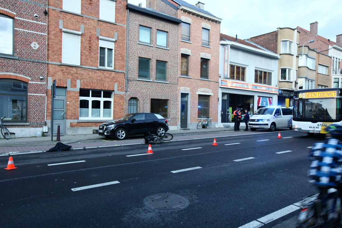 Fietser (19) zwaargewond na ongeval in Leuven