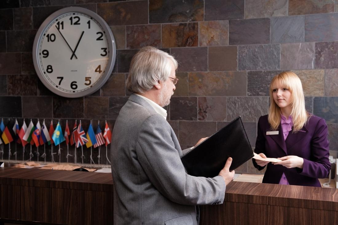 Koppel logeert in verschillende hotels en B&B's zonder te betalen