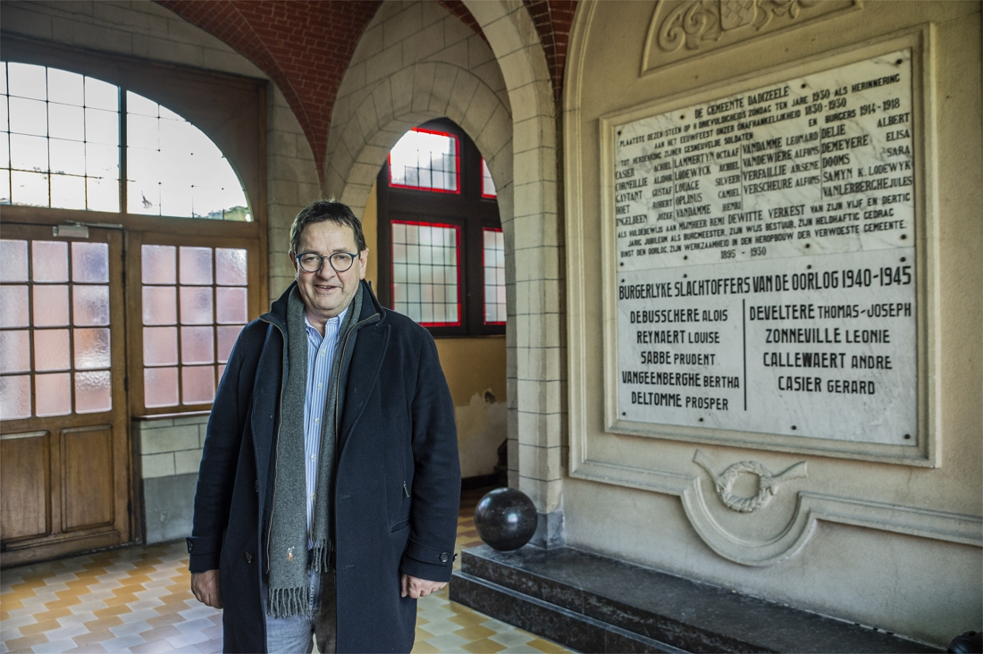 """""""Na renovatie moet oud gemeentehuis pronkstuk van Dadizele worden"""" - Het Nieuwsblad"""