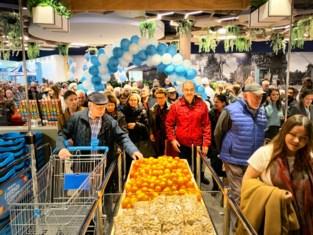 Ook rijendik aanschuiven voor opening Albert Heijn in Shopping 1