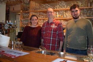 Café De Zwaan in Dworp is terug open