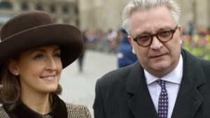 Koning Albert en koningin Paola wonen Te Deum bij, prins Laurent en prinses Claire niet