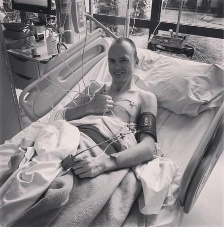 """Chris Froome nogmaals geopereerd: """"Nog wat groggy maar alles ging goed"""""""