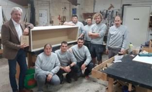 """Bij Vanda Meubelen zijn ze trots op erkenning die ze krijgen van Unizo: """"Beloning voor jarenlang vakwerk"""""""