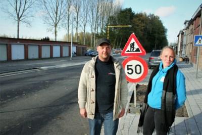 Verbindingsweg gaat na maandenlange werken weer open, halve dag later komt asfalt al naar omhoog