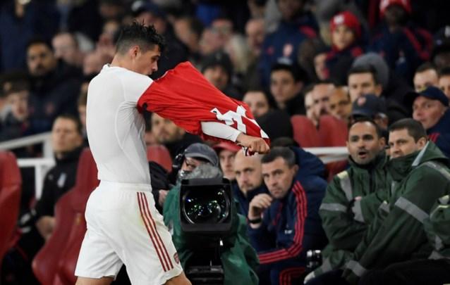 """Arsenal-aanvoerder Granit Xhaka verontschuldigt zich bij fans na woede-uitbarsting: """"Ze zeiden dingen als 'ik hoop dat je dochter kanker krijgt'"""""""