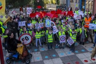 """School en buurt voeren actie voor leefbaarder Leupegem: """"Maak het verkeer veiliger, de lucht zuiverder"""""""