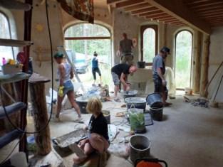 Van hobbithuisje tot houtskelet: Ecobouwers geven inspiratie
