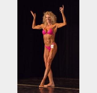 Sandra Verhaegen derde keer op ereschavot bodybuilding