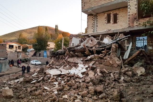 Meer dan 300 gewonden bij aardbeving in Iran