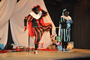 Zwarte Pieten stelen de show