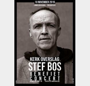 Stef Bos zingt voor Langeledeschool