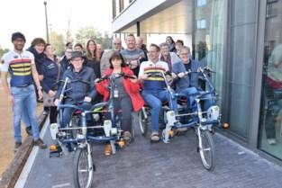 """Het Ventiel krijg duofietsen én lanceert fietshappening In Het Wiel: """"Mensen met jongdementie laten stralen tijdens het fietsen"""""""