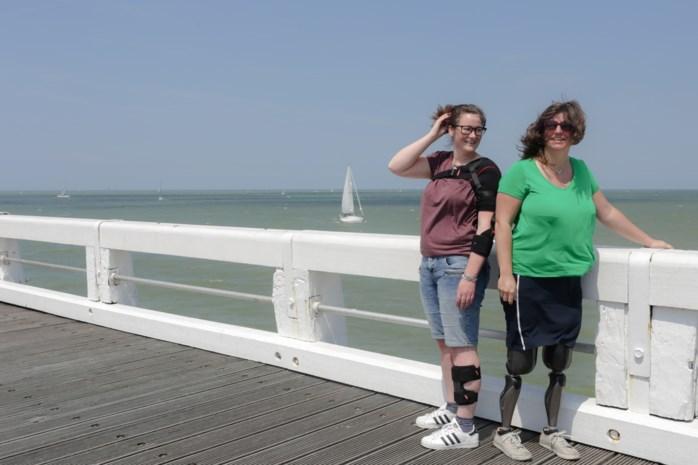 """Fysieke beperking staat dromen Ilse (36) en Sarah (30) niet in de weg: """"We gaan in achttien dagen 894 kilometer fietsen"""""""