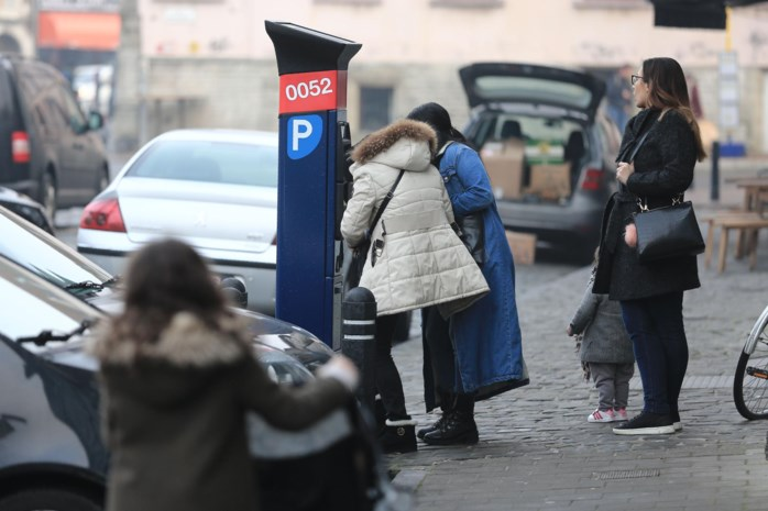 Parkeerboetes een derde duurder