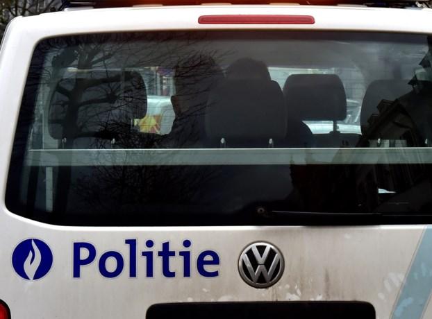 Wilde politieachtervolging in Brussel eindigt met botsing aan Sainctelettesquare: bestuurder was onder invloed