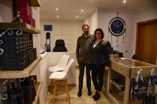 Woonkamer getransformeerd tot winkel en tattooshop