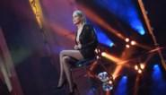 VIDEO: Sharon Stone herhaalt iconische scène uit 'Basic instinct' voor de neus van haar zoon
