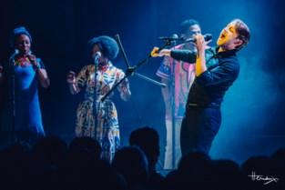 Sioen plays Graceland in Handelsbeurs: VIJFSTERRENCONCERT