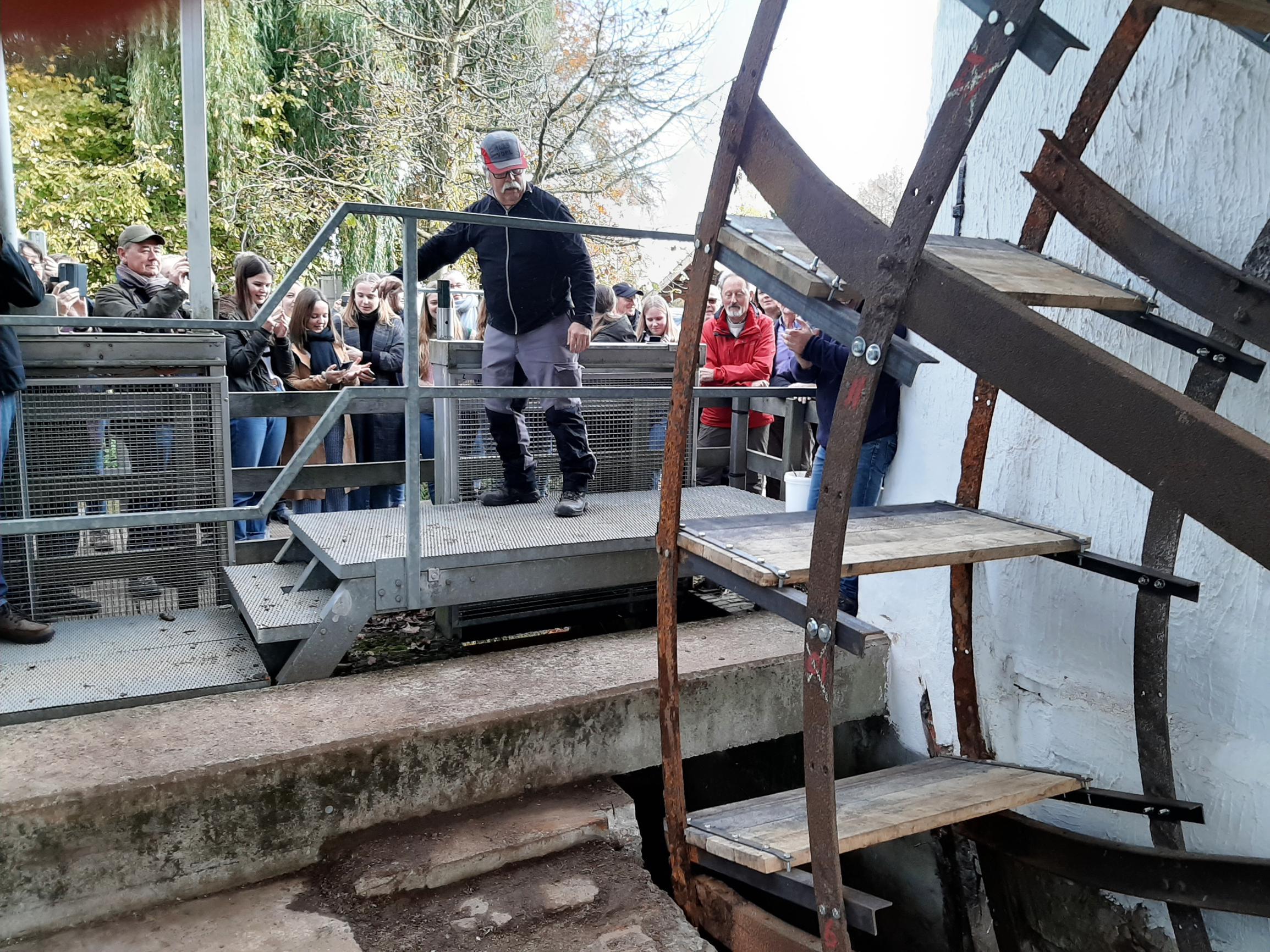 Watermolen draait weer na 40 jaar (Meerhout) - Het Nieuwsblad