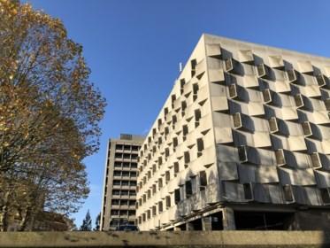 Deel van 'lelijkste gebouw van Gent' wordt gesloopt, al is niet iedereen daar gelukkig mee
