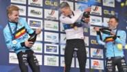 """Van der Poel na derde Europese titel: """"Ze hebben het me zo moeilijk mogelijk gemaakt"""""""