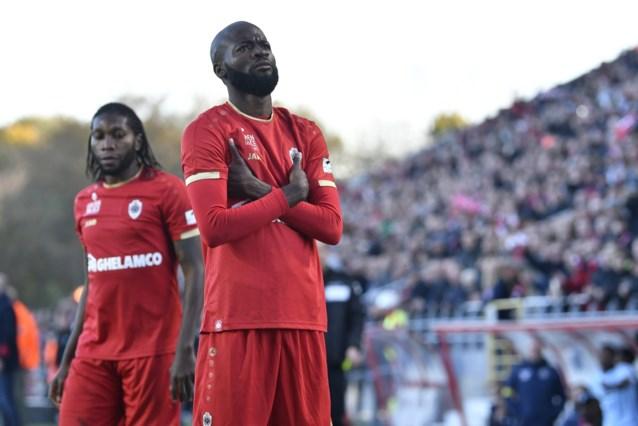 Lamkel Zé provoceert fans Club Brugge, gele kaart levert hem schorsing op tegen AA Gent