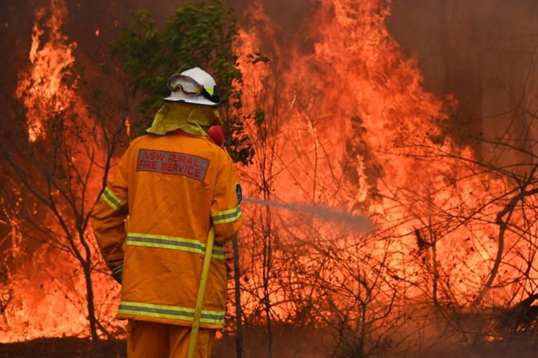 """Australië bereidt zich voor op """"een van de gevaarlijkste dagen in de geschiedenis"""" van catastrofale bosbranden"""