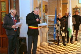 FOTO-VIDEO. 11 november: Constantijn en Michiel blazen The Last Post in Beervelde