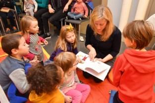 FOTO. Prentenboek helpt anderstalige ouders