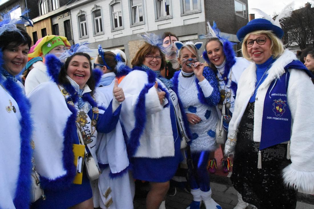 Prinsen en prinsessen openen nieuw carnavalsseizoen in Halle