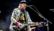 Neil Young wil Amerikaans staatsburger worden om te kunnen stemmen in 2020, maar zijn cannabisgebruik maakt dat moeilijk