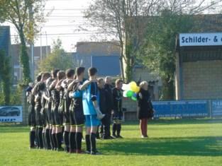 "Voetbalmakkers houden eerbetoon aan verongelukte voetballer Bodhi (26): ""Zo'n goedlachse kerel"""
