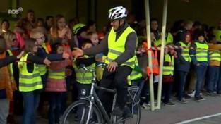 VIDEO. Frank Deboosere als fietsheld onthaald in Ter Bank in Heverlee