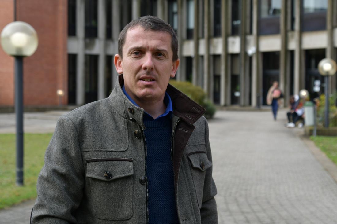 Celstraf met uitstel voor duo dat kaak Torhoutse N-VA-gemeenteraadslid verbrijzelde - Het Nieuwsblad