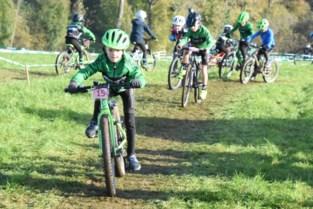 Kinderen maken kennis met cyclocross