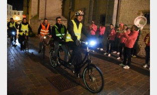 FOTO. Xiu en Frank Deboosere sluiten Vlaamse Fluodag af in Halle