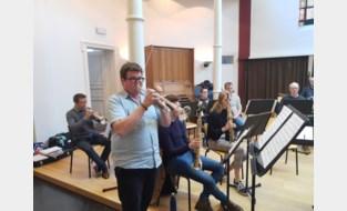 Sint-Martinusfanfare stelt nieuwe dirigent voor op Winterconcert