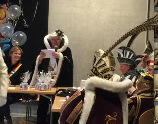 Agnes Uytebroeck neemt afscheid als voorzitter Ridders van Brunengeruz