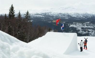 Technischer, moeilijker, hoger: freestyle skiër Tjäder zet nieuwe norm in Unrailistic 2.0