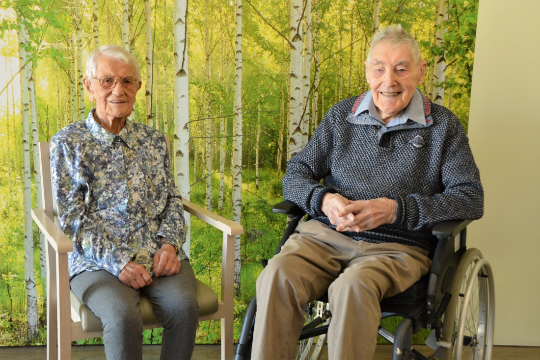 Kleuterjuf van burgemeester Jacobs en oudste veteraan vieren 103de verjaardag