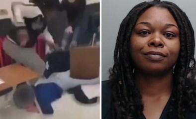 Invallende lerares onmiddellijk ontslagen wanneer ze leerlinge (15) in elkaar slaat